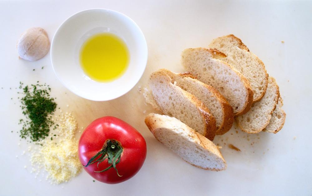 トマトのブルスケッタの材料